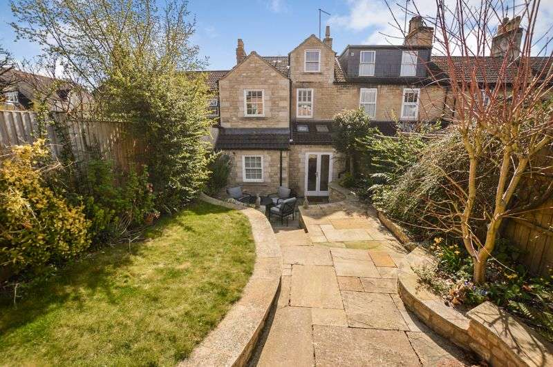 5 Bedrooms Property for sale in Adelaide Street, Stamford