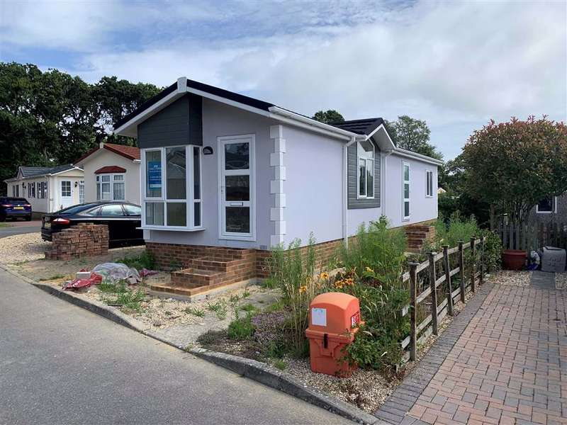 2 Bedrooms Park Home Mobile Home for sale in Hordle