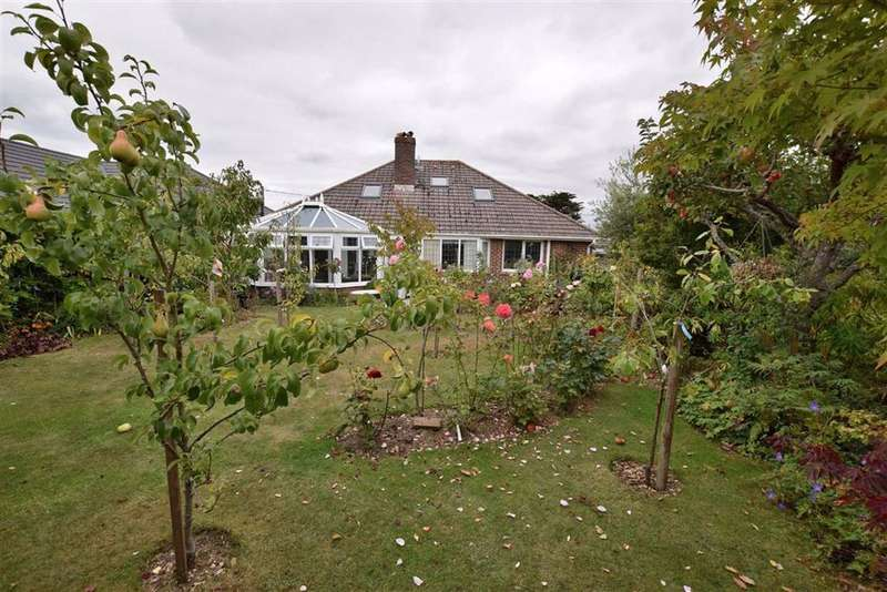 4 Bedrooms Chalet House for sale in Barton On Sea