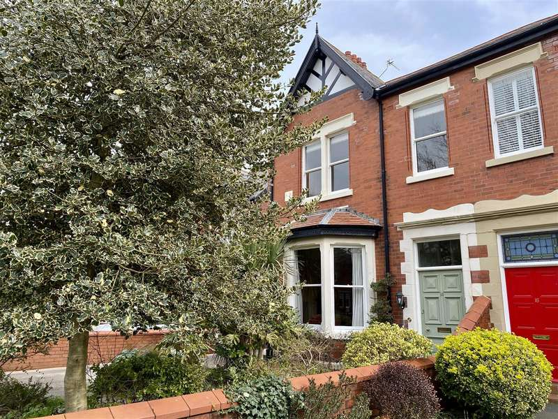 4 Bedrooms Semi Detached House for sale in Willows Avenue, Lytham