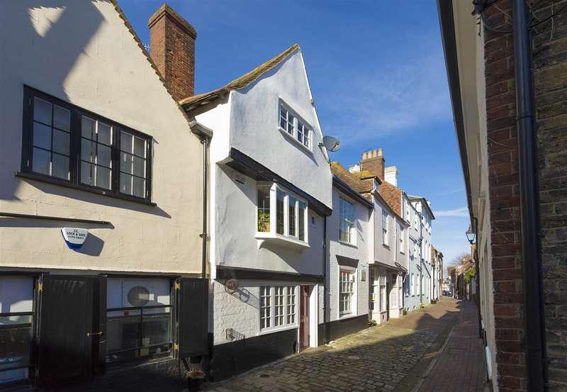 3 Bedrooms Maisonette Flat for sale in Court Street, Faversham