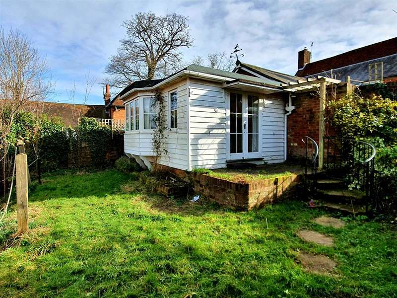 2 Bedrooms Bungalow for sale in TENTERDEN