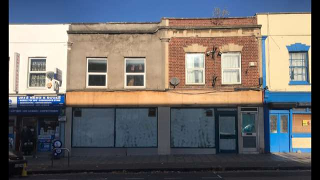 Shop Commercial for rent in Fishponds Road