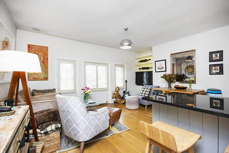 2 Bedrooms Flat for sale in Brondesbury Villas, Kilburn, NW6