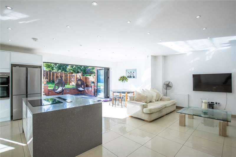 5 Bedrooms Semi Detached House for sale in Winchmore Hill Road, Winchmore Hill, London, N21