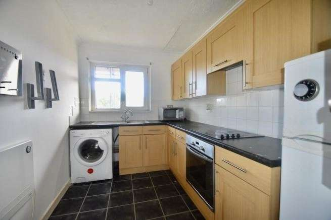 2 Bedrooms Apartment Flat for sale in Bitterne Road, Southampton, Hampshire, SO18 1BN