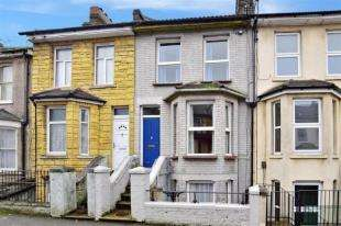 3 Bedrooms Terraced House for sale in Rochester Avenue, Rochester, Kent