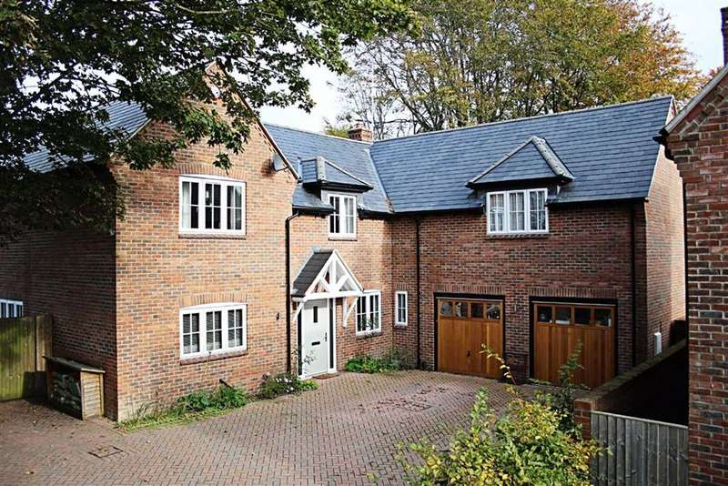 4 Bedrooms Detached House for sale in Gordon Villas, TRING, Hertfordshire