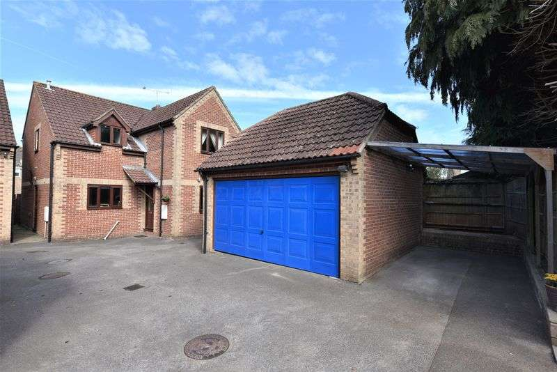 4 Bedrooms Property for sale in The Coppice, Horndean