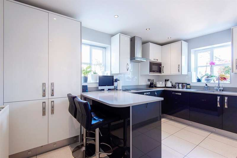 4 Bedrooms Detached House for sale in The Blossoms, Park Lane Close, Womersley, Doncaster, DN6 9QB