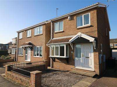 3 Bedrooms Detached House for sale in Rose Hill Avenue, Rawmarsh, Rotherham