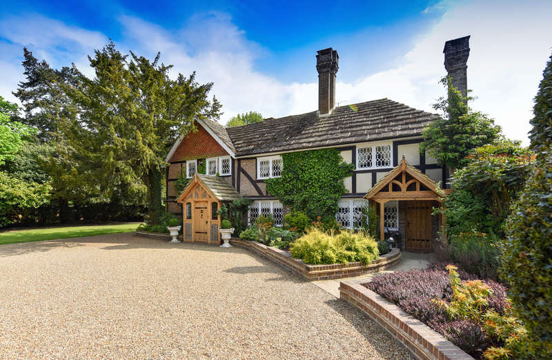 8 Bedrooms House for sale in West Sussex