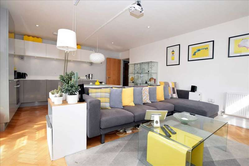 2 Bedrooms Apartment Flat for sale in Friars House, 6, Parkway, Chelmsford