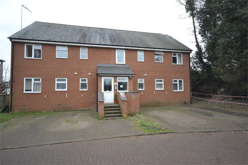 3 Bedrooms Duplex Flat for rent in Mason Court, Silver Street. Stansted Mountfitchet