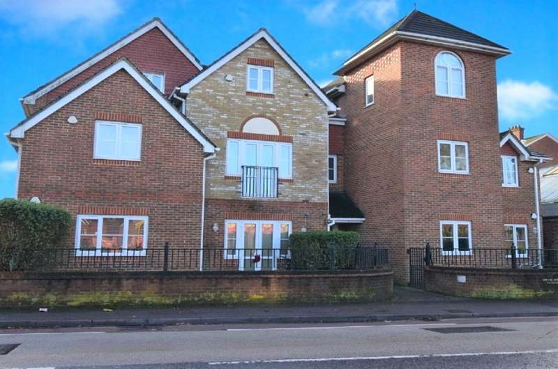 House for rent in Spring House, Sarum Hill, Basingstoke, Hampshire, RG21
