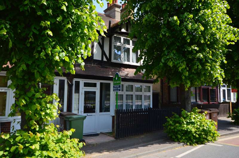4 Bedrooms House for sale in Woodcote Road, Wallington, Surrey, SM6