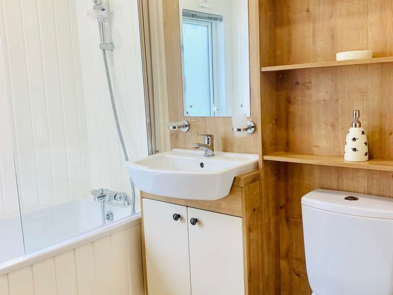 2 Bedrooms Lodge Character Property for sale in Carlton Meres, Saxmundham