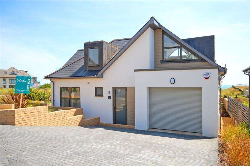 3 Bedrooms Detached House for sale in Dalmeny Road, Hengistbury Head, Bournemouth, Dorset, BH6