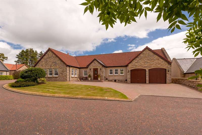 5 Bedrooms Detached House for sale in 2 Queens View, Wester Balgedie, Kinross, KY13