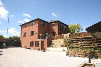 5 Bedrooms Semi Detached House for sale in Bury and Rochdale Old Road, Birtle, Bury, Greater Manchester, OL10