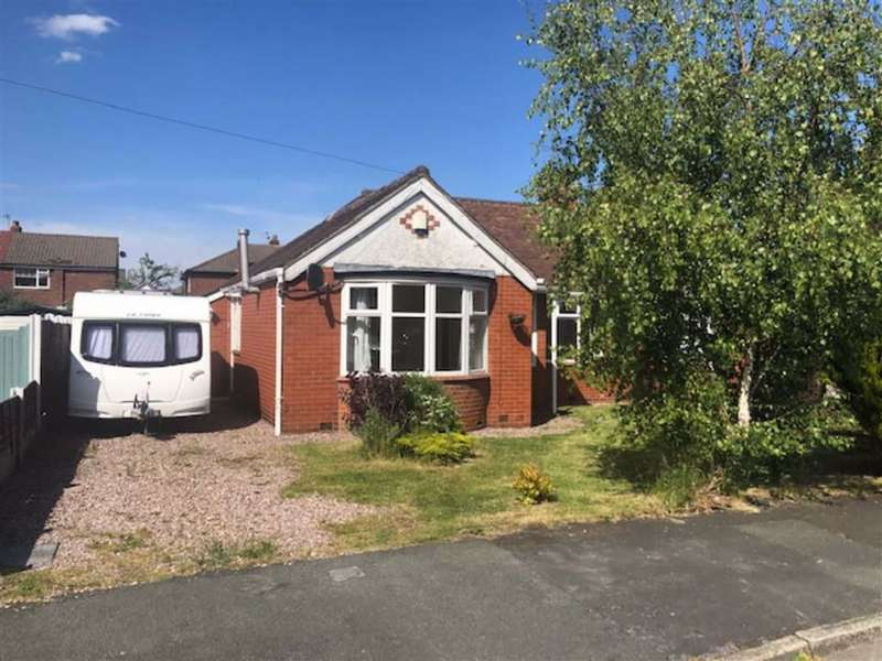 2 Bedrooms Semi Detached Bungalow for rent in Oakdene Avenue, Cheshire