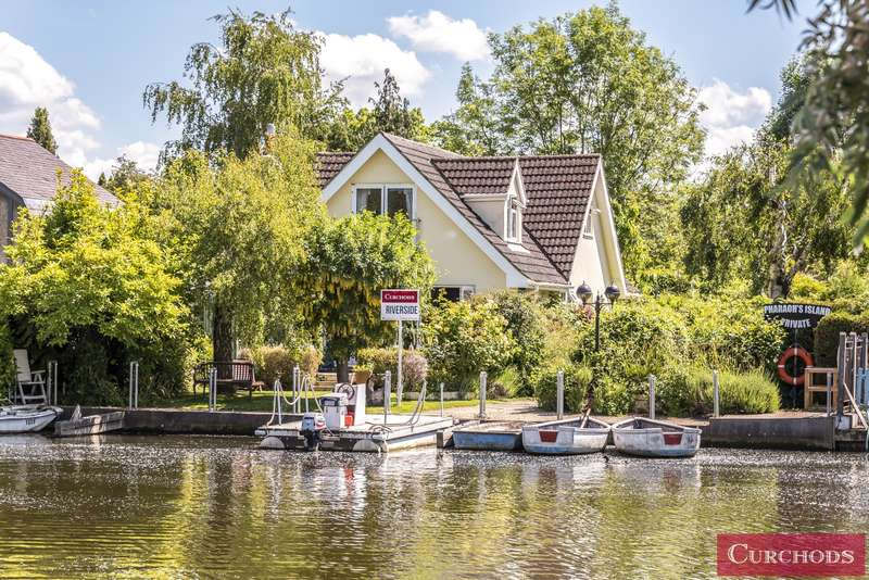 3 Bedrooms House for sale in Pharaohs Island, Shepperton, TW17