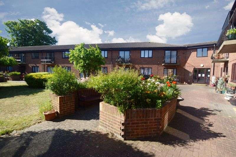 1 Bedroom Property for sale in Chancery Court (Dartford), Dartford, DA1 1SX