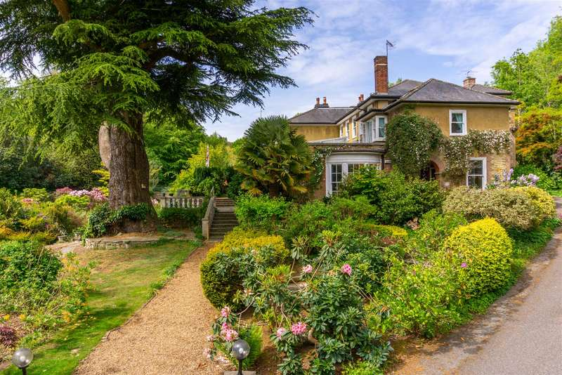 5 Bedrooms House for sale in Broadham Green, Old Oxted