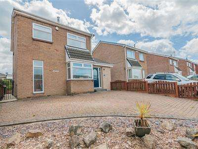 3 Bedrooms Detached House for sale in Yarwell Drive, Maltby, Rotherham