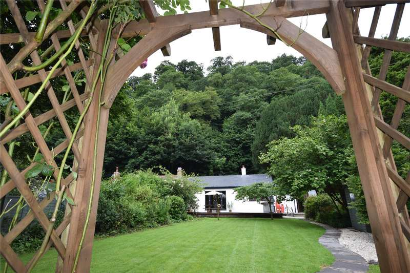 2 Bedrooms Semi Detached Bungalow for sale in Church Cottage, Llawhaden, Narberth, Pembrokeshire