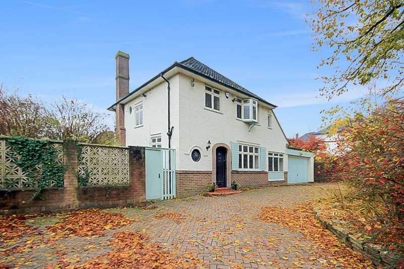 4 Bedrooms Property for sale in Abbots Way, Westlands