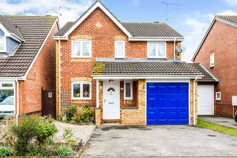 4 Bedrooms Detached House for sale in Rushey Meadow, Monmouth