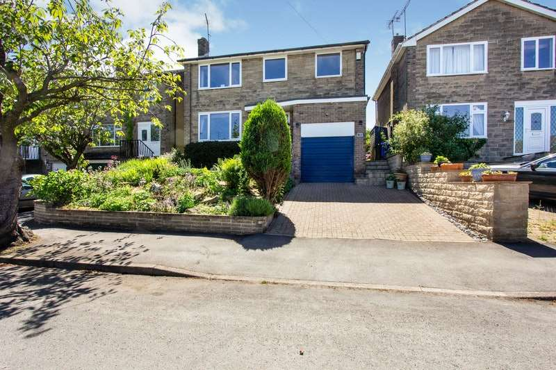 4 Bedrooms Detached House for sale in St. Quentin Rise, Sheffield, South Yorkshire, S17