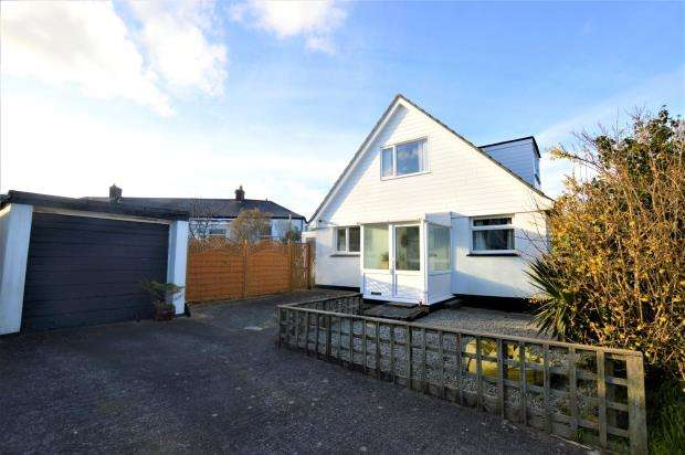 3 Bedrooms Detached Bungalow for sale in Choughs Close, Camborne, Cornwall
