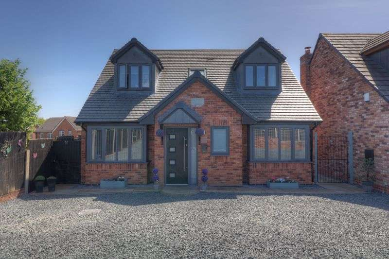 4 Bedrooms Property for sale in Old Fallow Road, Cannock