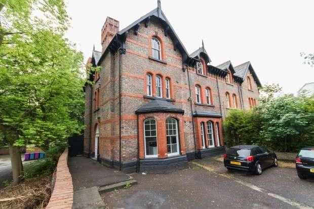 Studio Flat for rent in Apt 5 Parkfield Road, Sefton Park, Liverpool, L17