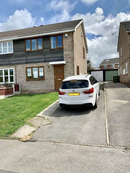 3 Bedrooms Semi Detached House for sale in Helston Road, Normanton, West Yorkshire, WF6