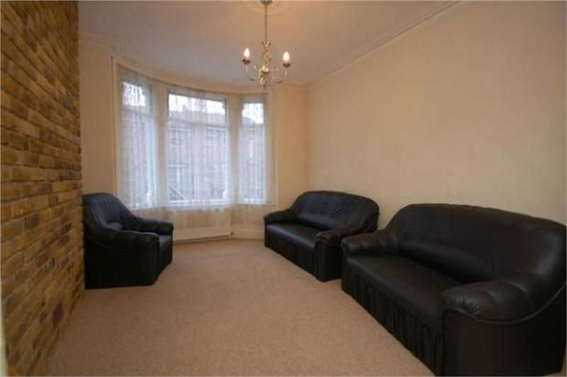 4 Bedrooms Flat for rent in Marmont Road, Peckham
