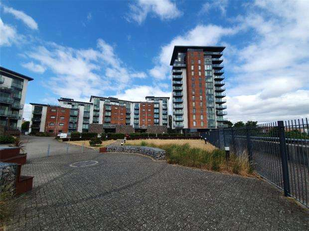 2 Bedrooms Apartment Flat for sale in Harlequin Court, Rope Quays, Gosport