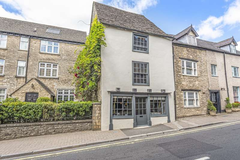 2 Bedrooms Town House for sale in Tetbury