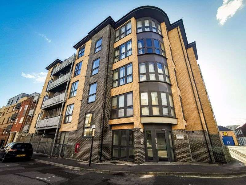 1 Bedroom Property for sale in Canal Walk, Southampton