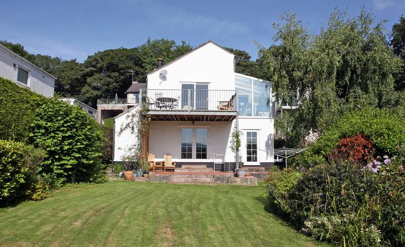 3 Bedrooms Detached House for sale in The Orchard, Mount Street, Menai Bridge, LL59