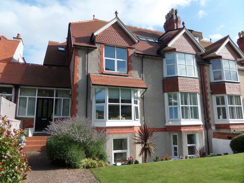 2 Bedrooms Apartment Flat for sale in Abbey Road, Llandudno, Conwy, LL30