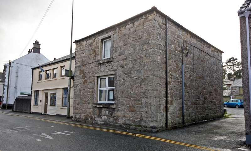 Office Commercial for rent in Field Street, Llangefni, Anglesey, LL77