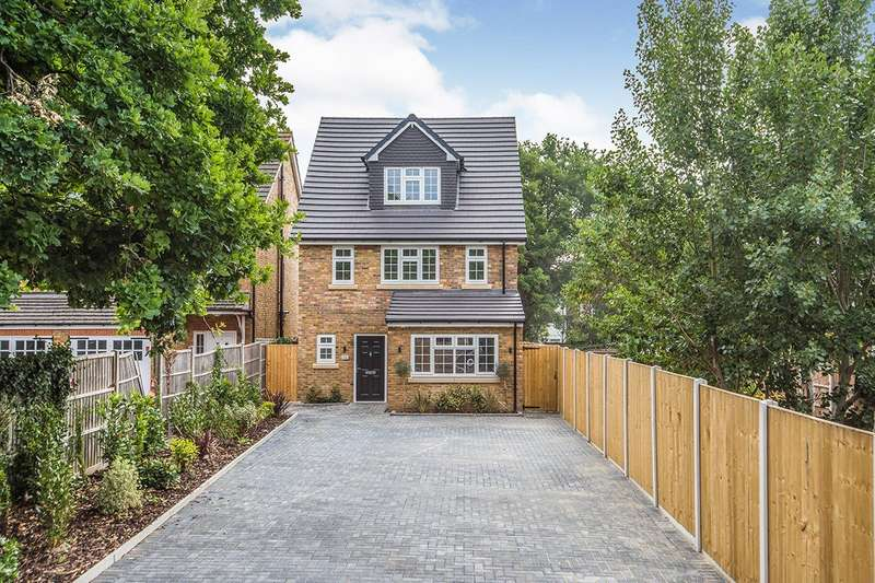 4 Bedrooms Detached House for sale in Lanigan Drive, Hounslow, TW3