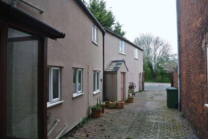 3 Bedrooms Property for sale in Tewkesbury Road, Longford, Gloucester