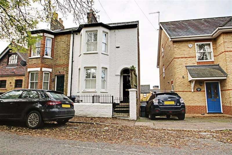 4 Bedrooms Semi Detached House for sale in Station Road, BERKHAMSTED, Hertfordshire