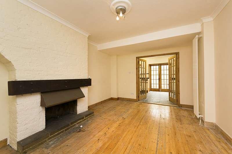 5 Bedrooms Property for sale in Crane Way, Twickenham TW2