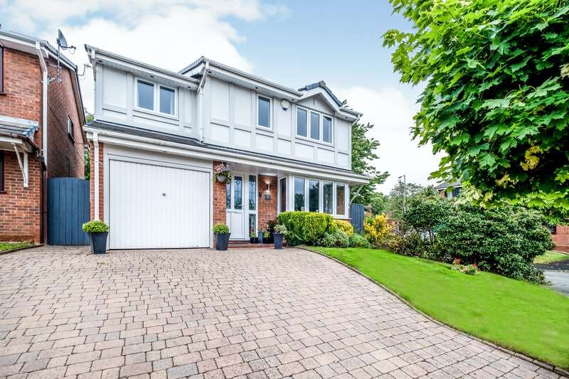 4 Bedrooms Detached House for sale in Lloyd George Grove, Cannock, Staffordshire, WS11