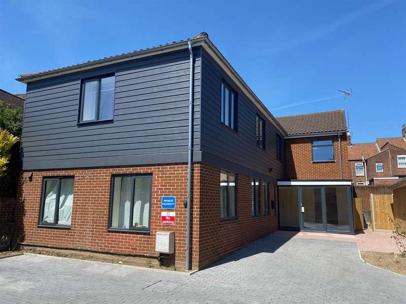 5 Bedrooms Property for rent in Norwich, NR3